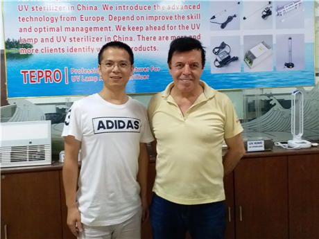 USA Guest visiting the company